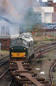 37 411 at Warrington Arpley on 2nd November 2007 (11)