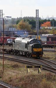 37 411 at Warrington Arpley on 2nd November 2007 (6)