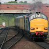 37 611 at Manchester Airport on 8th June 2006 (4)