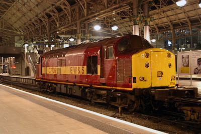 2) 37 706 at Manchester Piccadilly on 4th November 2004