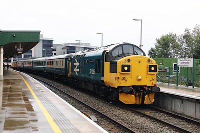 37 025 at Cardiff Central on 27th September 2019 (18)