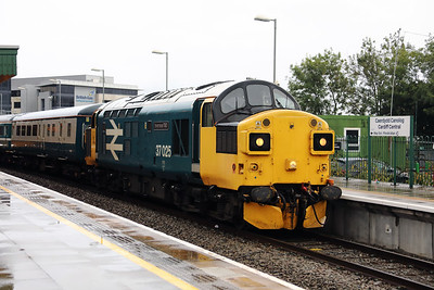 37 025 at Cardiff Central on 27th September 2019 (16)