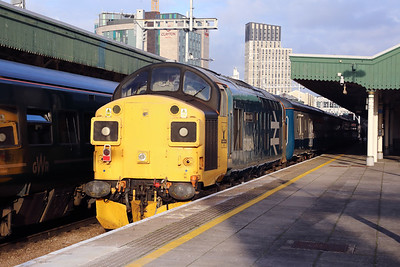 37 025 at Cardiff Central on 26th September 2019 (4)