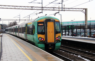377 206 at Watford Junction on 24th January 2013
