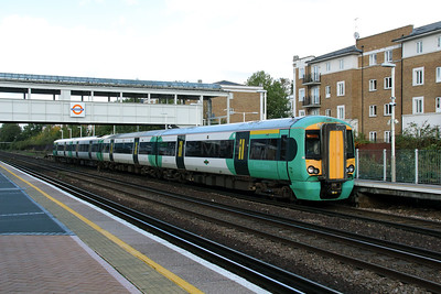 377 205 at Kensington Olympia on 29th October 2013