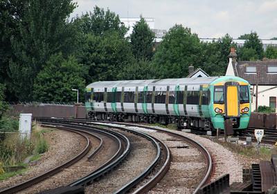 377 207 at Selhurst on 18th August 2010