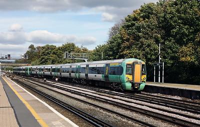 377101 at Redhill on 3rd October 2017