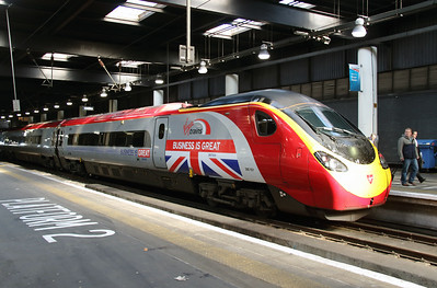 390 151 at London Euston on 3rd March 2015 (2)