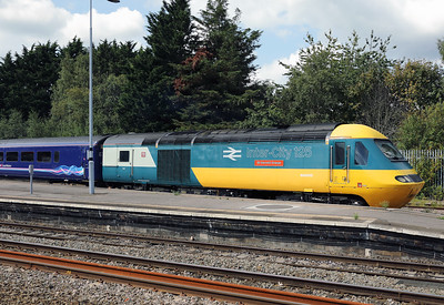 43 002 at Swindon on 1st September 2017