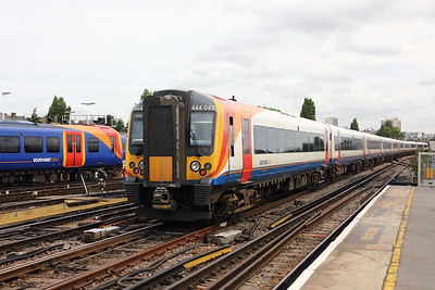 444 042 at Clapham Junction on 16th August 2017