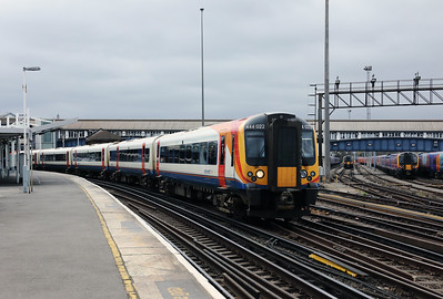 444 022 at Clapham Junction on 29th March 2017