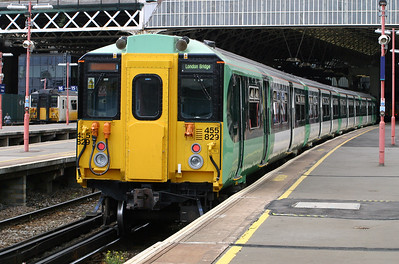 2) 455 829 at London Bridge on 11th June 2004