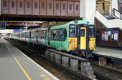 1) 455 823 at London Bridge on 11th June 2004
