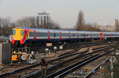 458 025 at Clapham Junction on 28th February 2013