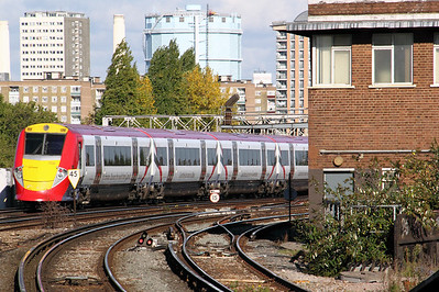 2) 460 003 at Clapham Junction on 20th October 2010