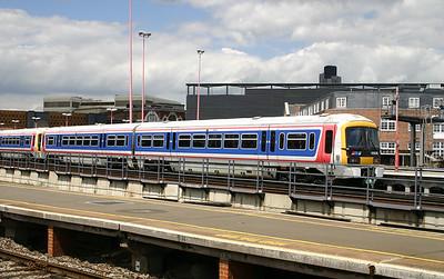 466 016 at London Bridge on 11th June 2004