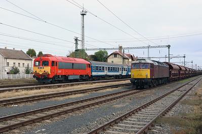 418 126 & 47 375 at Szentlorinc on 5th October 2019 (8)