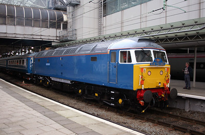 47 709 at Manchester Piccadilly on 5th January 2006 (3)