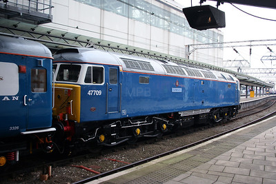 47 709 at Manchester Piccadilly on 5th January 2006 (4)