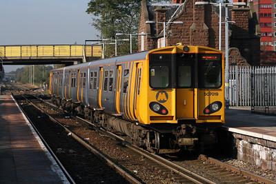 507 019 at Ellesmere Port on 24th October 2007