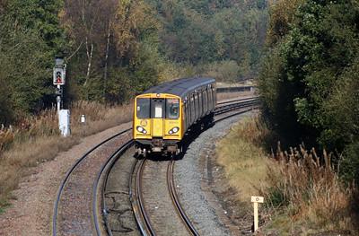 508 143 at Hooton on 24th October 2007 (1)