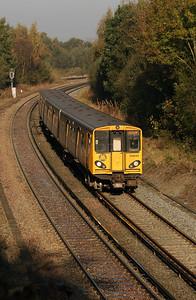 508 143 at Hooton on 24th October 2007 (2)
