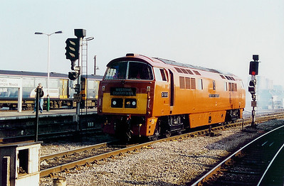 D1015 at Bristol Temple Meads on 15th March 2003
