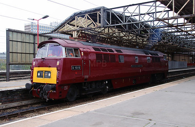 D1015 at Crewe on 5th September 2014  (4)