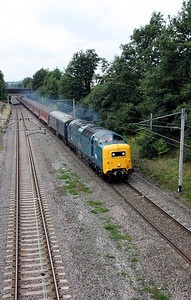 55 022 at Moore on 25th August 2010