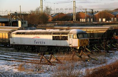 56 018 at Warrington Arpley on 21st December 2009 (3)