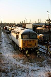 56 018 at Warrington Arpley on 21st December 2009 (8)