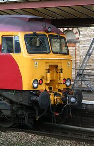 2) 57 305 at Crewe, 14th November 2004, Ready to drag 1F17