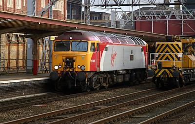 1) 57 305 at Crewe, 14th November 2004, Ready to drag 1F17