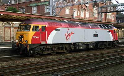 3) 57 305 at Crewe, 14th November 2004, Ready to drag 1F17