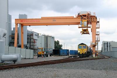 66 561 at Runcorn Folly Lane on 15th October 2014 (9)
