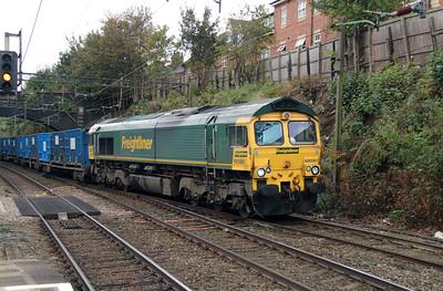66 561 at Runcorn on 15th October 2014 (4)