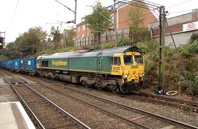 66 561 at Runcorn on 15th October 2014 (7)