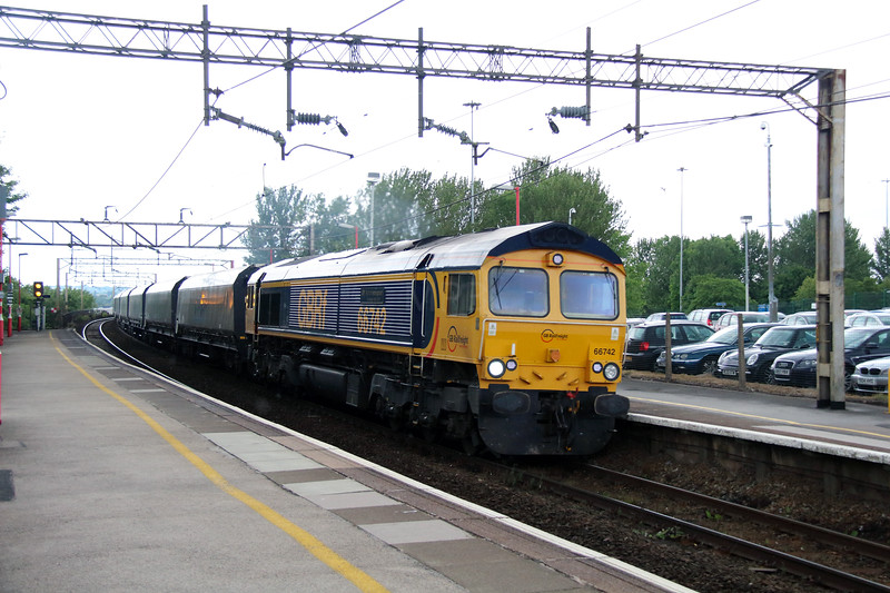 66 742 at Runcorn on 12th July 2014 (2)