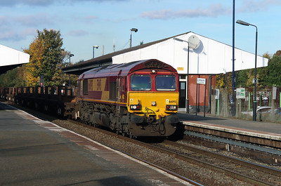 66 093 at Stourbridge Junction on 2nd November 2016
