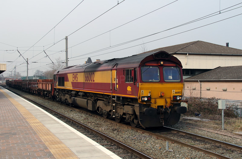 3) 66 002 at Warrington Bank Quay on 10th April 2013 working 6K05 1218 Carlisle Yard to Basford Hall Yard