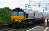 66 109 at Runcorn on 25th May 2015 (4)