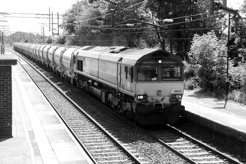 66 035 at Acton Bridge on 22nd July 2014 (3)