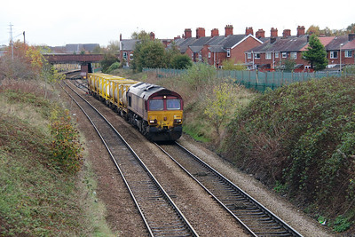 66 125 at Northwich East Junction on 24th October 2014 (2)