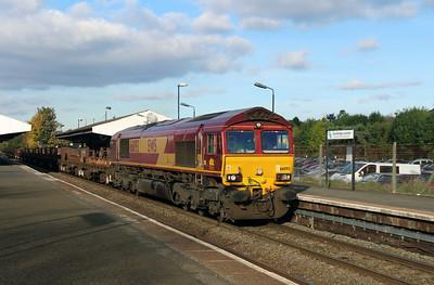 66093 at Stourbridge Junction on 2nd November 2016
