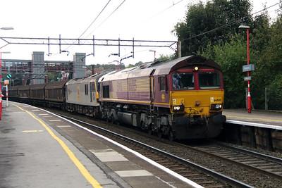 66 085 & 92 036 at Runcorn on 8th October 2014 (3)