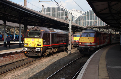 67 005 & 82229 at Newcastle on 15th October 2016