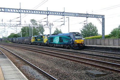 68009 & failed 70006 at Tamworth Low Level on 2nd July 2016