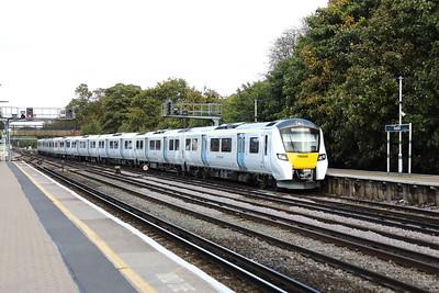 2) 700 026 at Redhill on 3rd October 2017