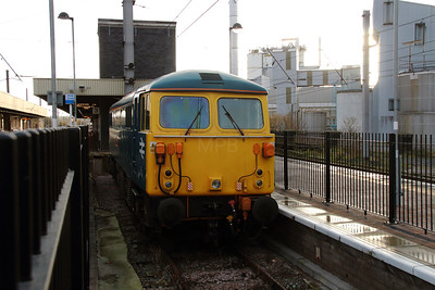 87 002 at Warrington Bank Quay on 14th December 2013