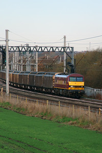 90 028 at Winwick Junction on 2nd December 2014 (3)